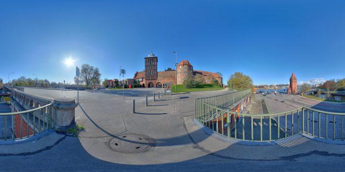 Burgtor Lübeck und Hubbrücke